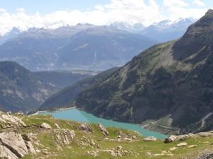 Le Barrage du Rawil à 15 km (alt. 1800m) Sa magnifique promenade autour du lac et ses sources internet : Sentier du barrage de Zeuzier  Randonature
